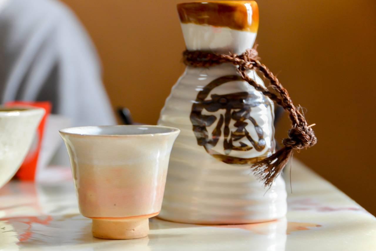 温度変化で味が変わる?冷酒・お燗…日本酒の温度の違いや特徴・楽しみ方を解説