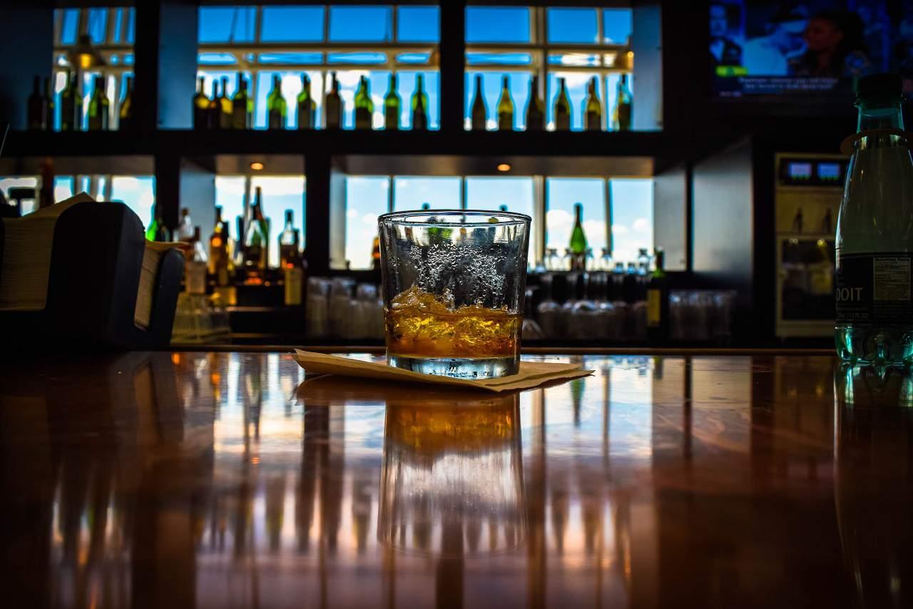 カナディアンウイスキーって?歴史や特徴・種類と楽しみ方を紹介