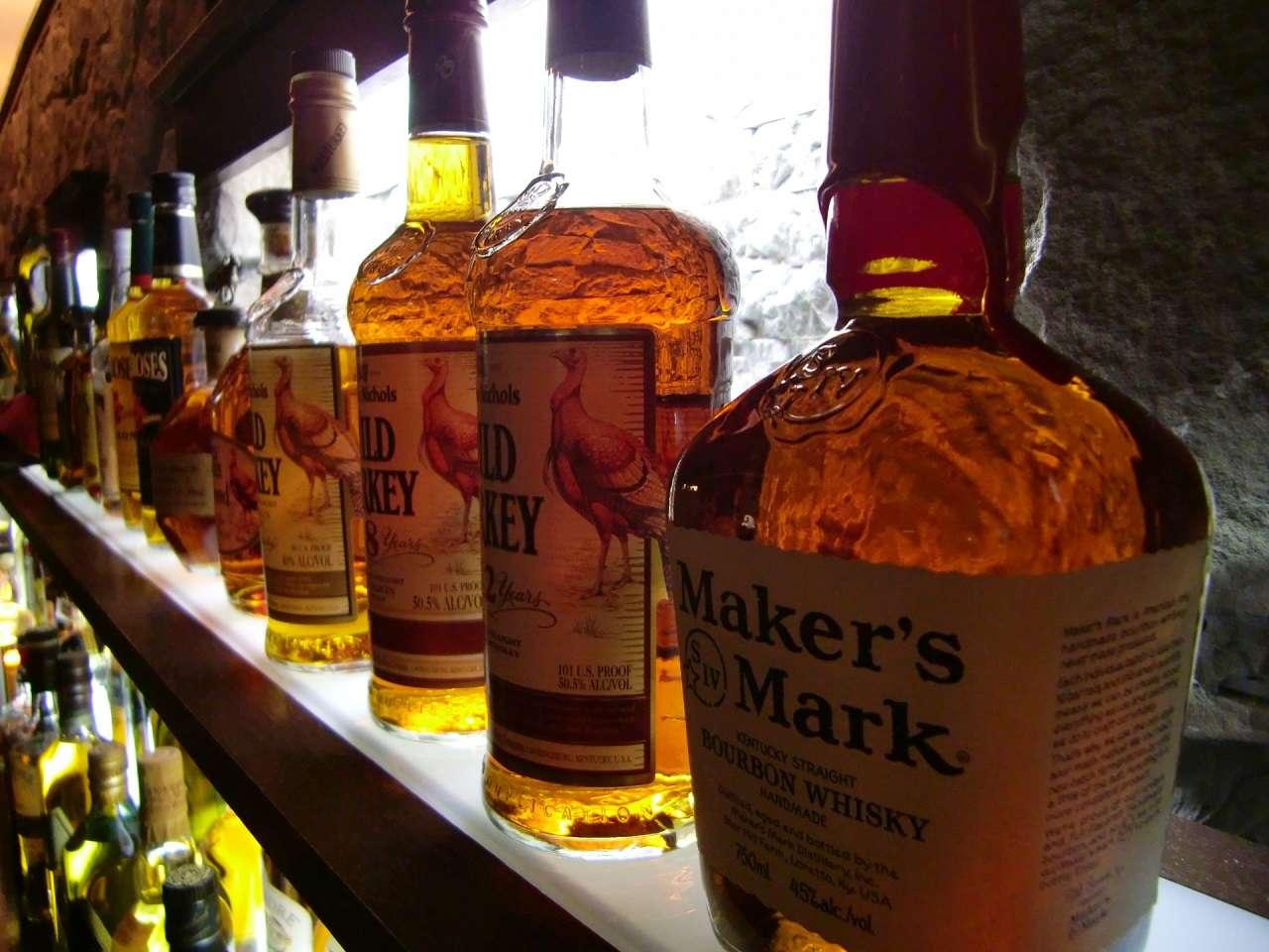 世界5大ウイスキーの違いは?違いや特徴と飲み方のポイントを解説